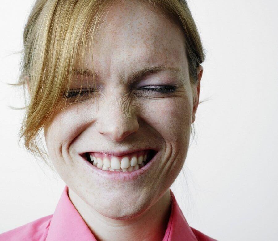 איך להשתמש בהומור כדי להגדיל מכירות?